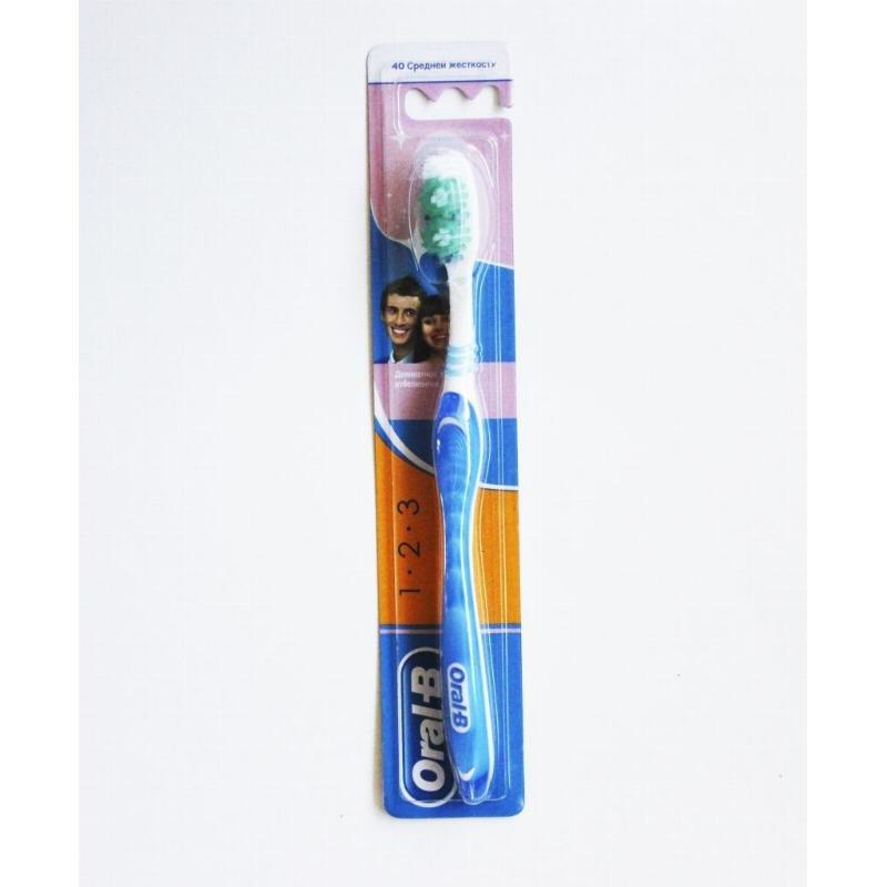 Зубная щетка Орал-Би для деликатного отбеливания средней жесткости